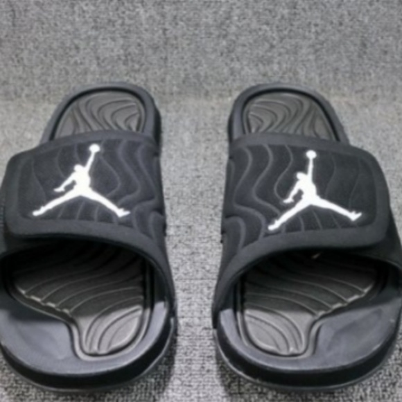 cheap for discount 9330f 6445b Air Jordan Retro sandals NWT